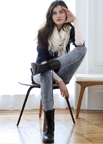 Denim leggings (here, in acid wash from Madewell) are a becoming a key piece for Fall!